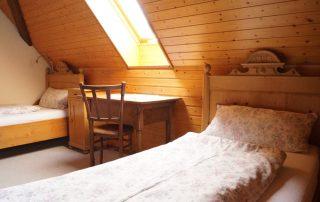 Foto Schlafzimmer 2 Ferienwohnung Jungbauernhof Kirchzarten Dreisamtal